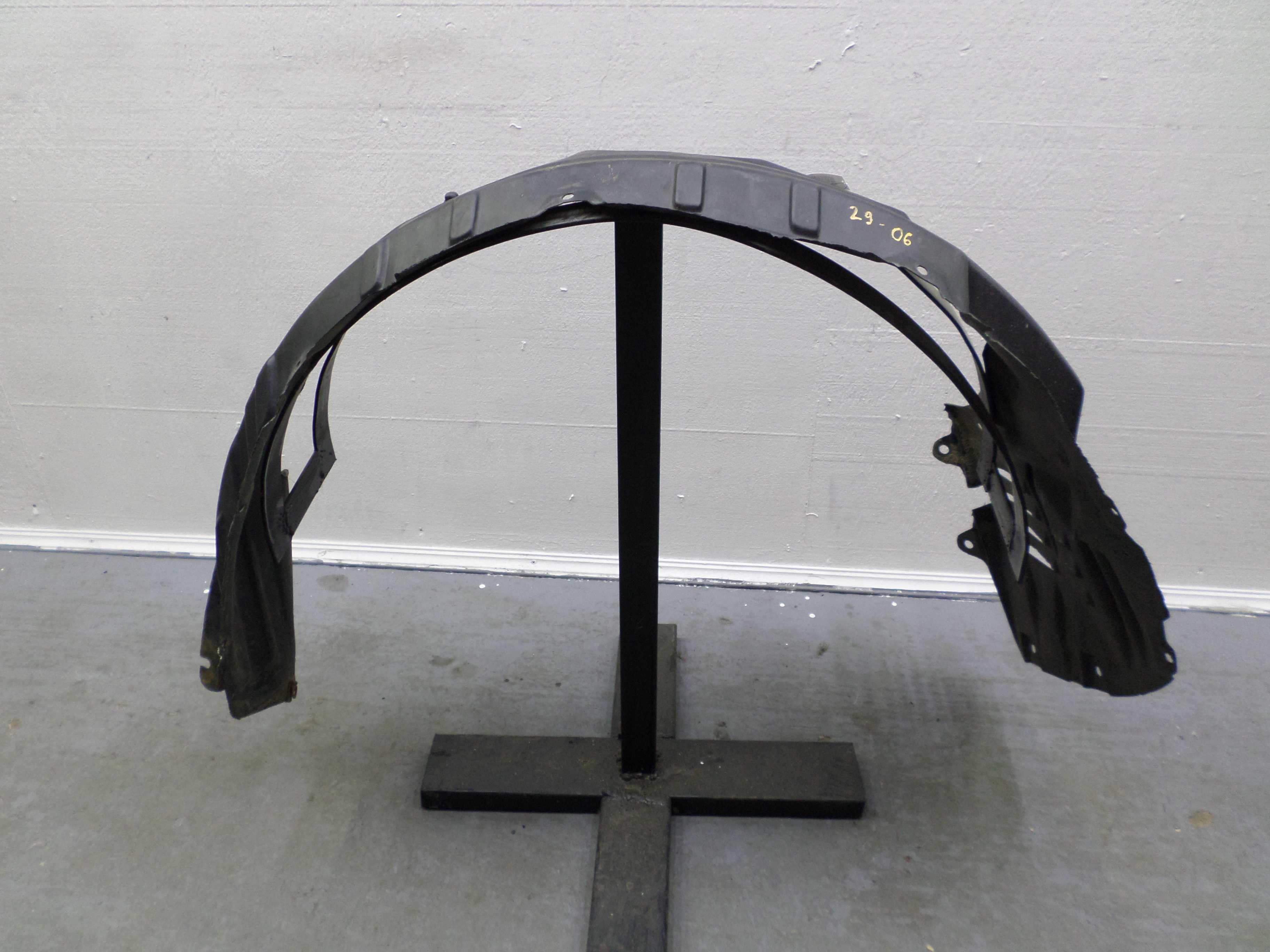 Защита арок передняя правая (подкрылок)