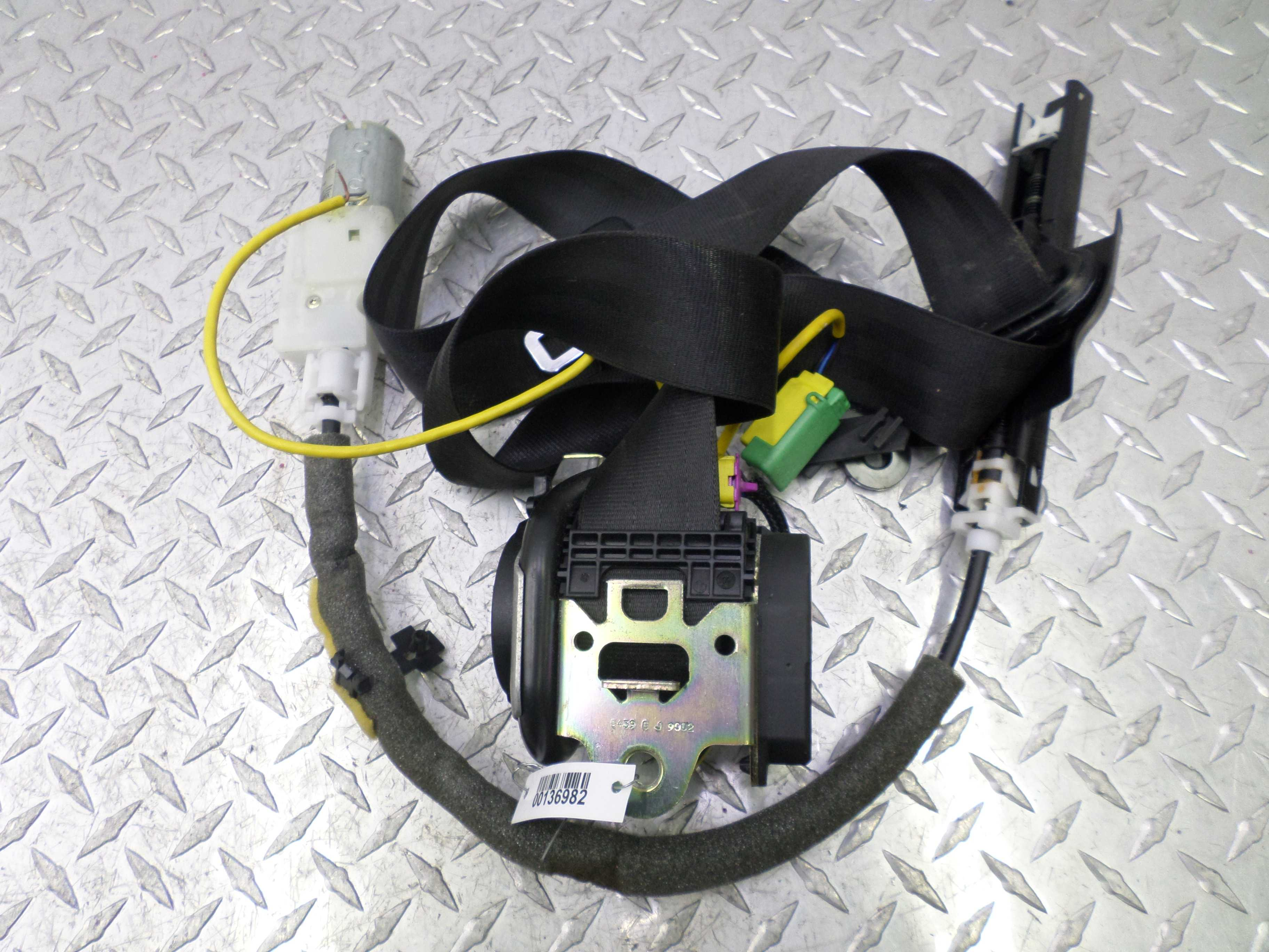 Ремень безопасности передний левый   3D2857705J