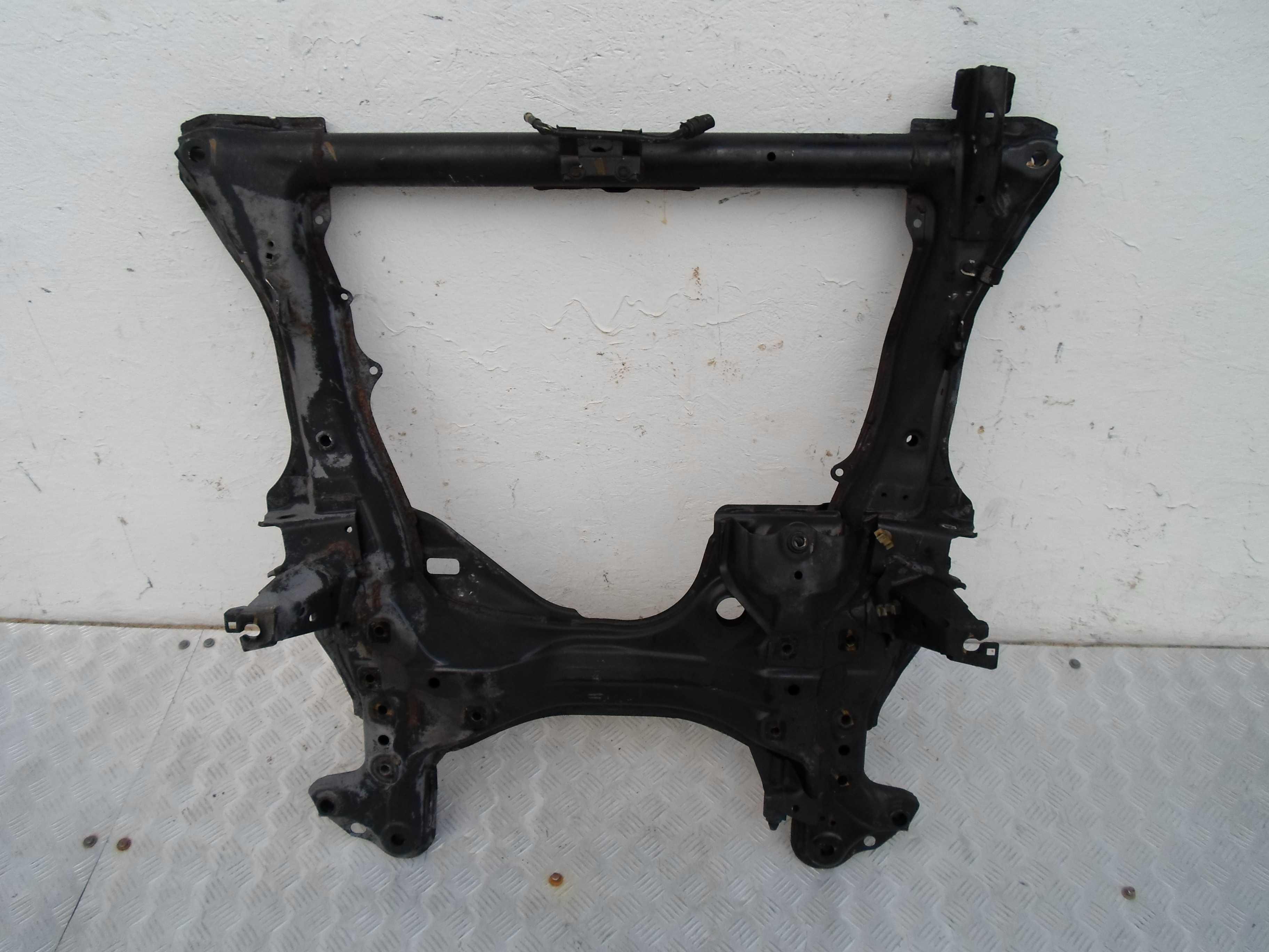 Балка подвески передняя (подрамник)